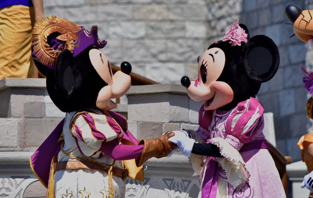 minnie mouse and mickey mouse plush toys