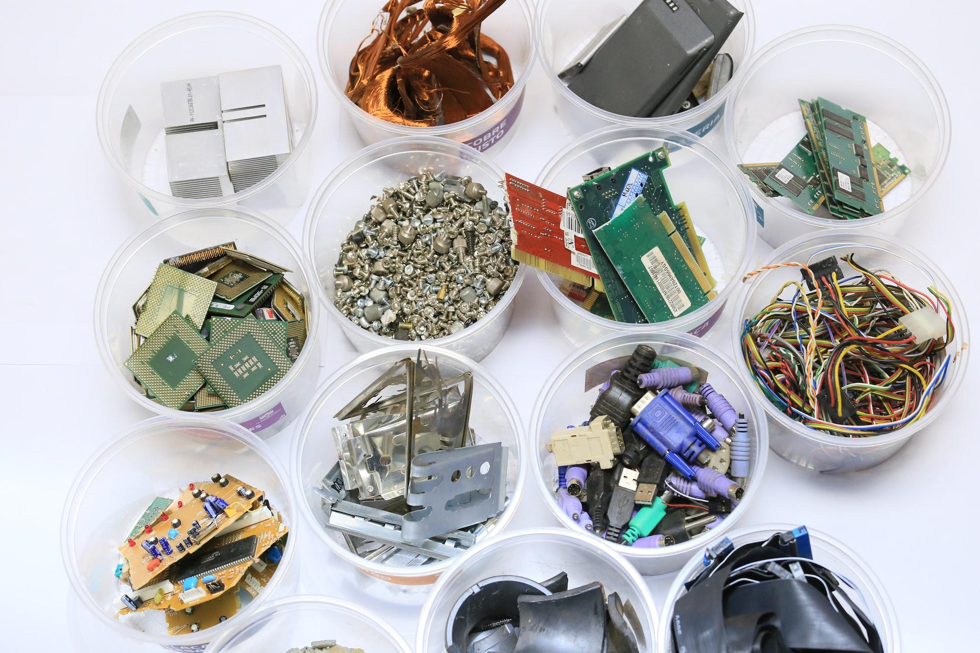 Resíduos eletrônicos separados por propriedade