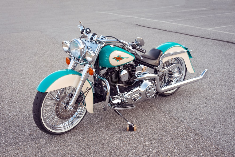 blue and black cruiser motorcycle