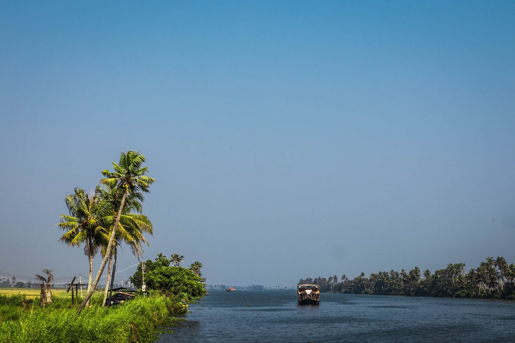 boathouses on the alleppey back waters