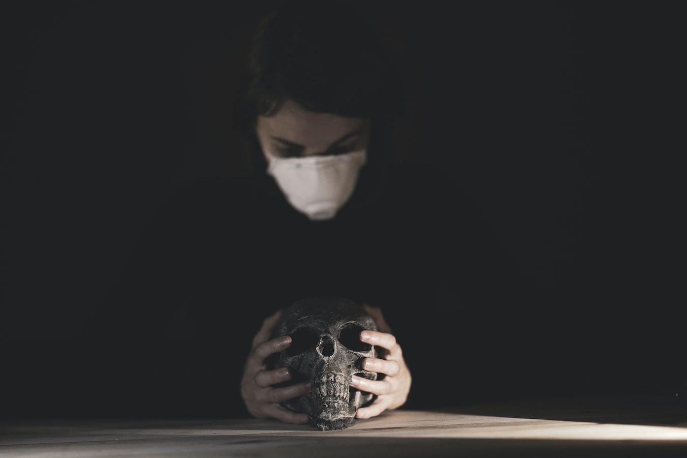 COVID-19/部桃醫院群聚首例死亡!護理師婆婆染疫「心臟衰竭」病逝