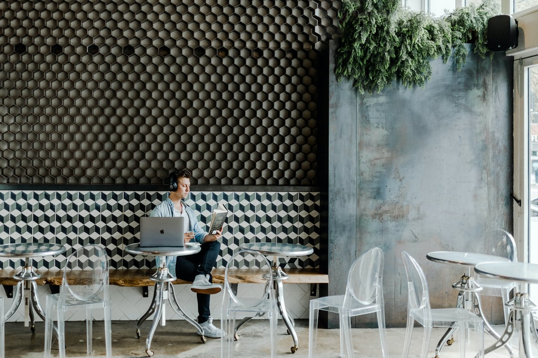 Millennial Social Distancing At Coffee Shop During Coronavirus. How Are College Students Affected By Covid-19? Will the Epidemic Continue Or Will Flattening the Curve Stop the Recession and Save the Economy From Unemployment.  - unsplash