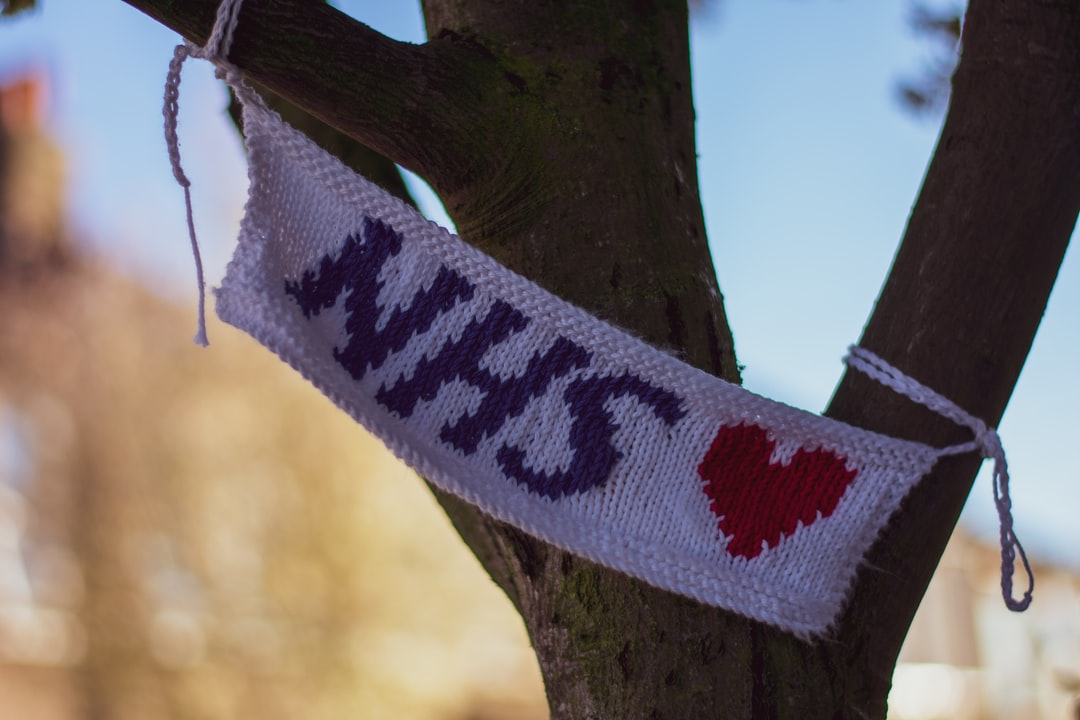 Hand knitted NHS ♥️ flag from Ruth Herring, a knitwear designer in Colliers Wood, London. She kindly shared this pattern for anyone who wants to support their local NHS workers. Copy the link below for detailed instructions:   https://drive.google.com/file/d/1AkkFhxbK9C01qfN-Za0CBnj06CprhxAP/view?fbclid=IwAR1gGVrICSVfCF_MfWtBjM75-VCt2eKBnS3LeBf5XBpd0YEH7qS_5RGubgw