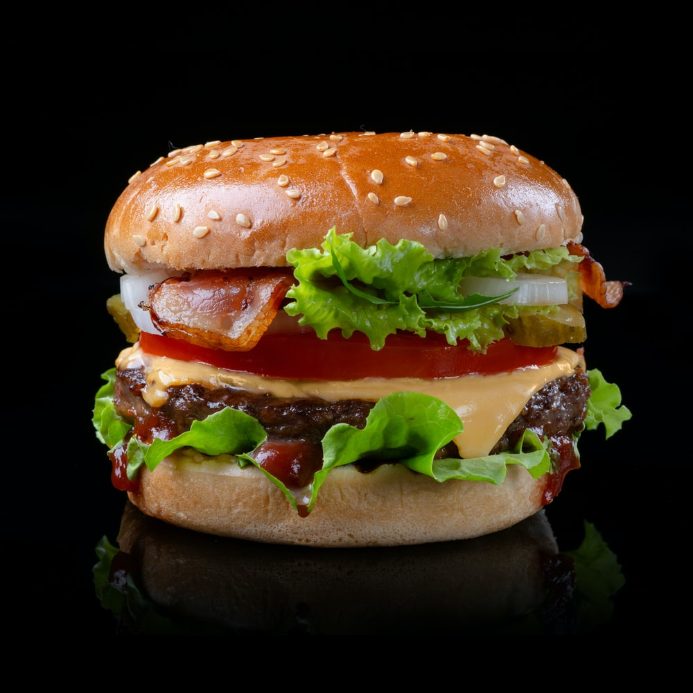 burger with lettuce and tomato