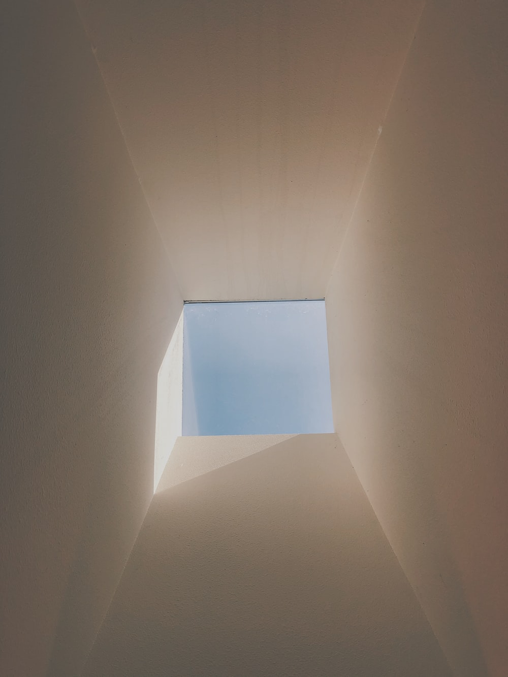 white ceiling with brown ceiling
