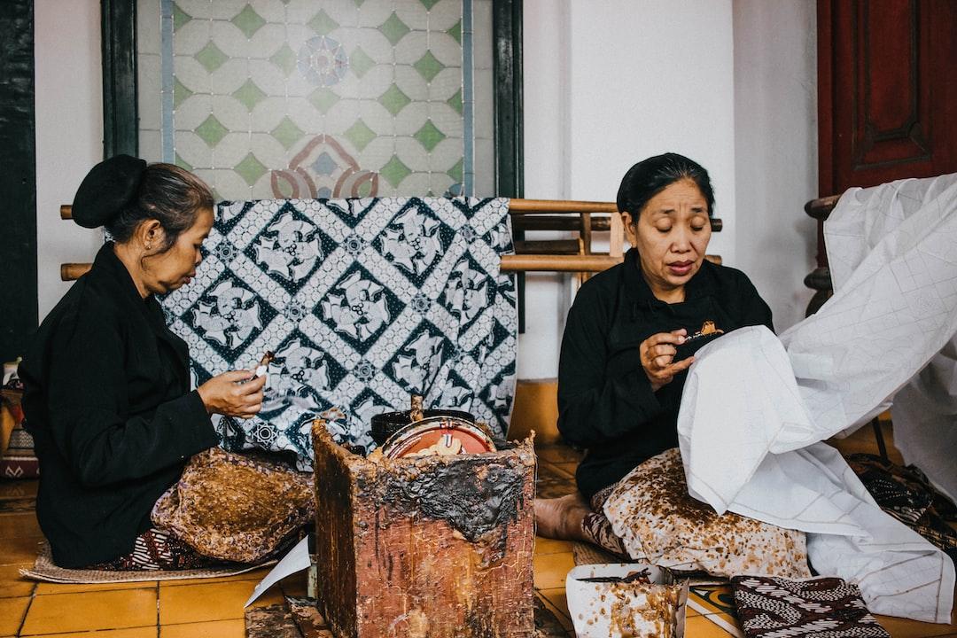 Women making Batik in the Keraton Yogyakarta