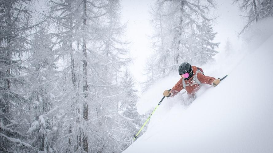 Ski-Schneesturm-Skihelm-mit-Visier-Herren
