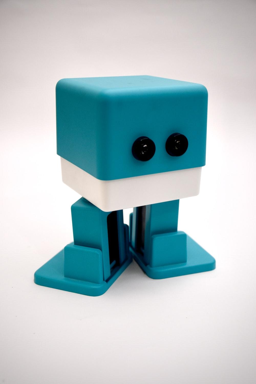 blue and white lego blocks