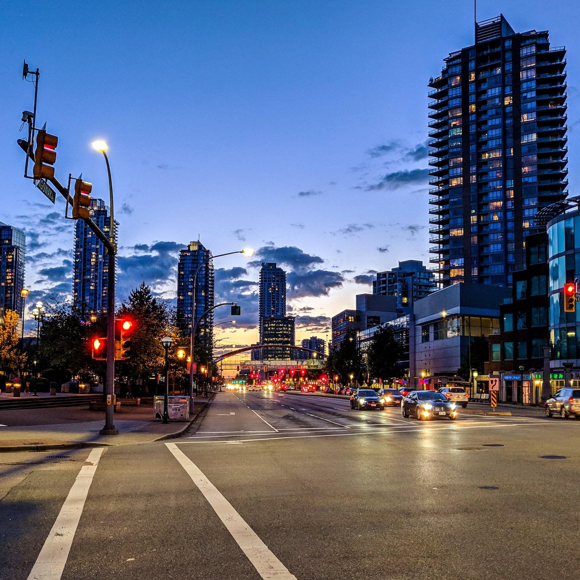 独立屋涨公寓跌,加拿大房价还会跌吗?