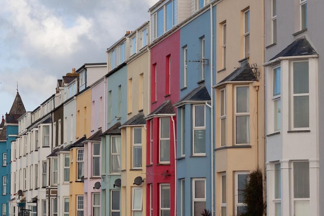Köpa eller hyra bostad? Vad är bäst?