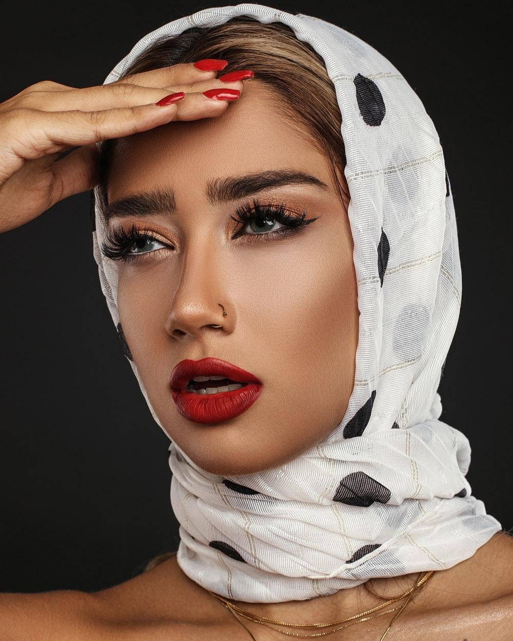 woman in white and black hijab