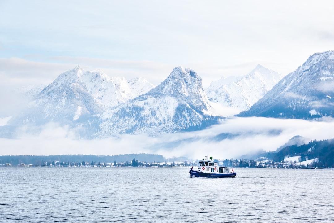 Small ship on lake Wolfgang in Sankt Gilgen, Austria.