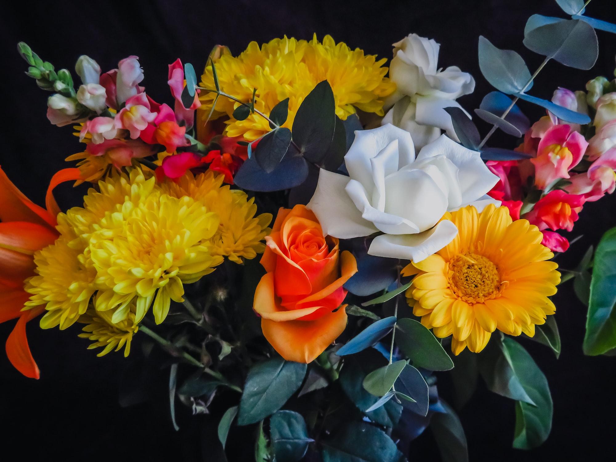 Приятный презент — цветы в подарок