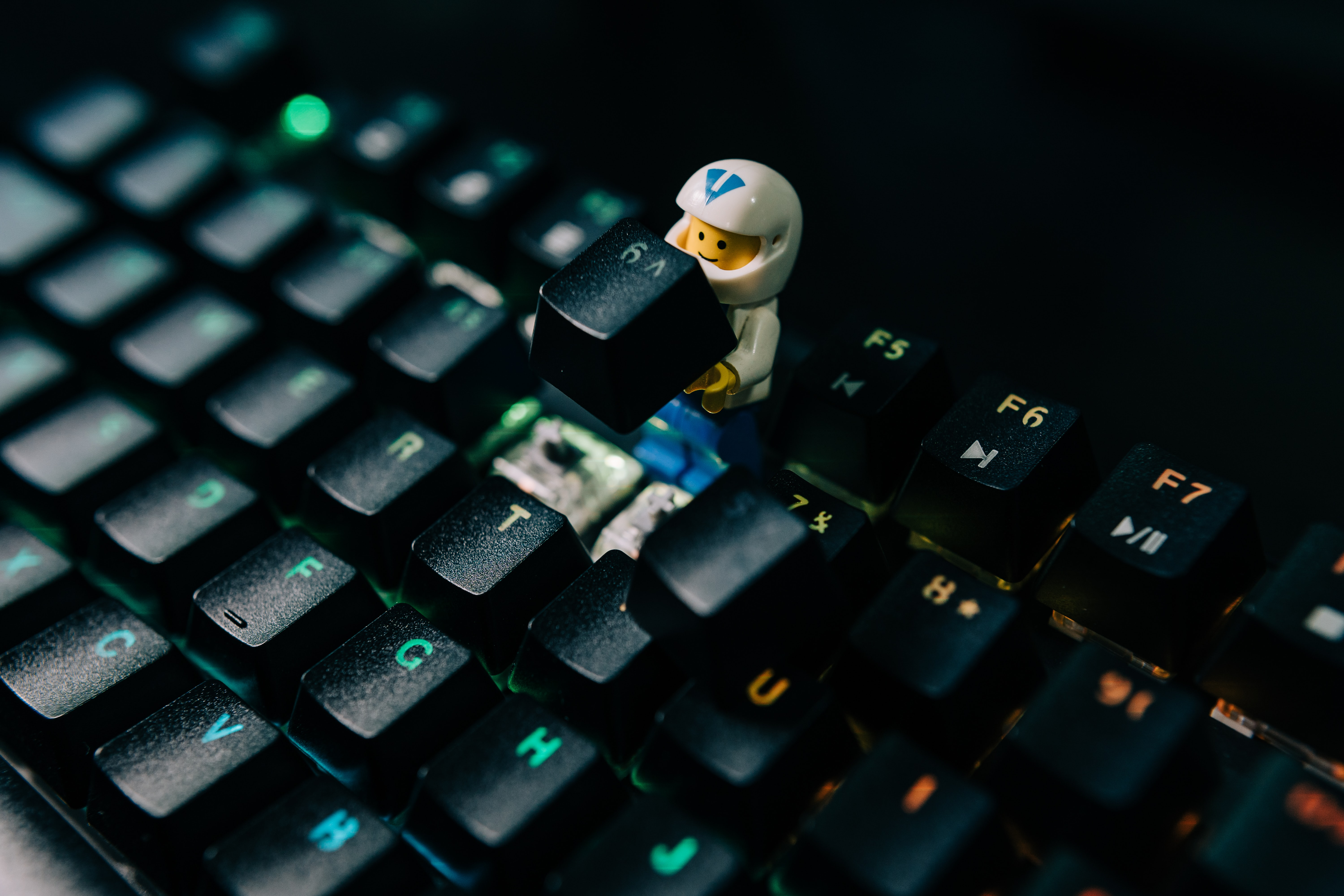Mechanical Keyboard Pictures Download Free Images On Unsplash
