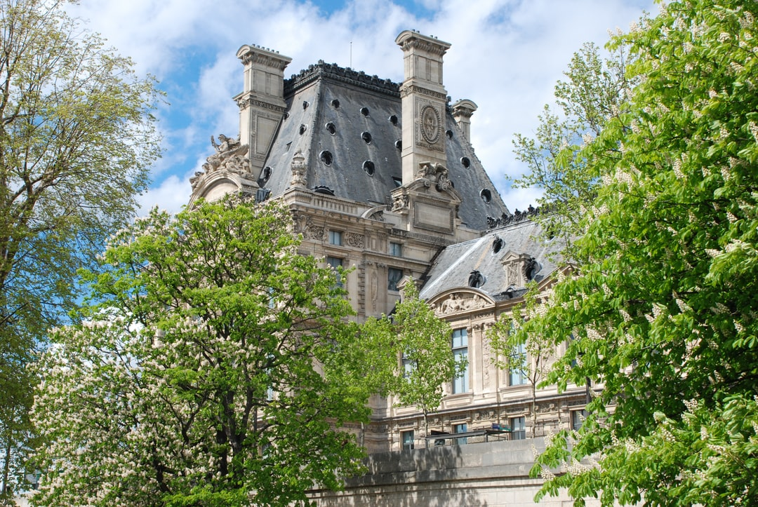 The Louvre museum, Building
