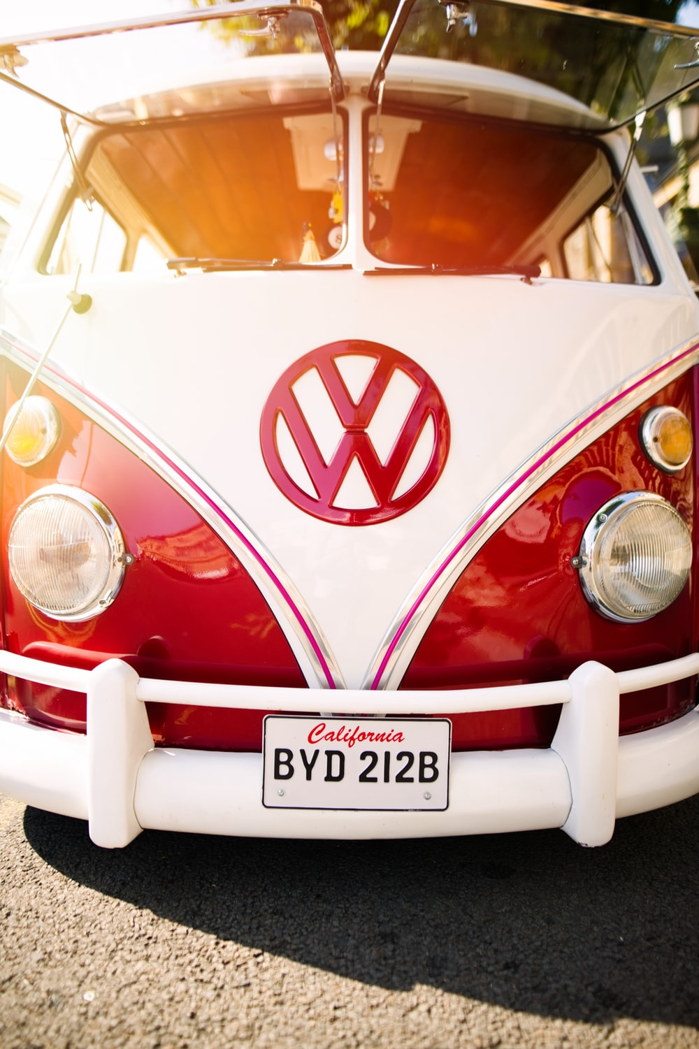 red and white volkswagen t-1