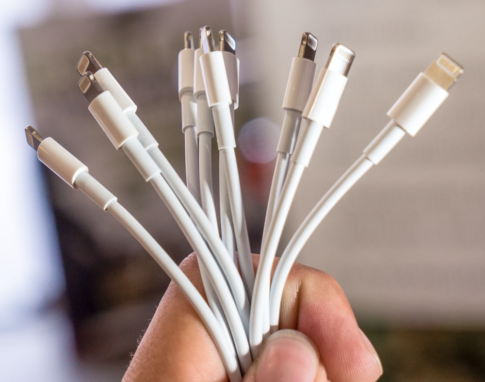 white 8 pin lightning cable