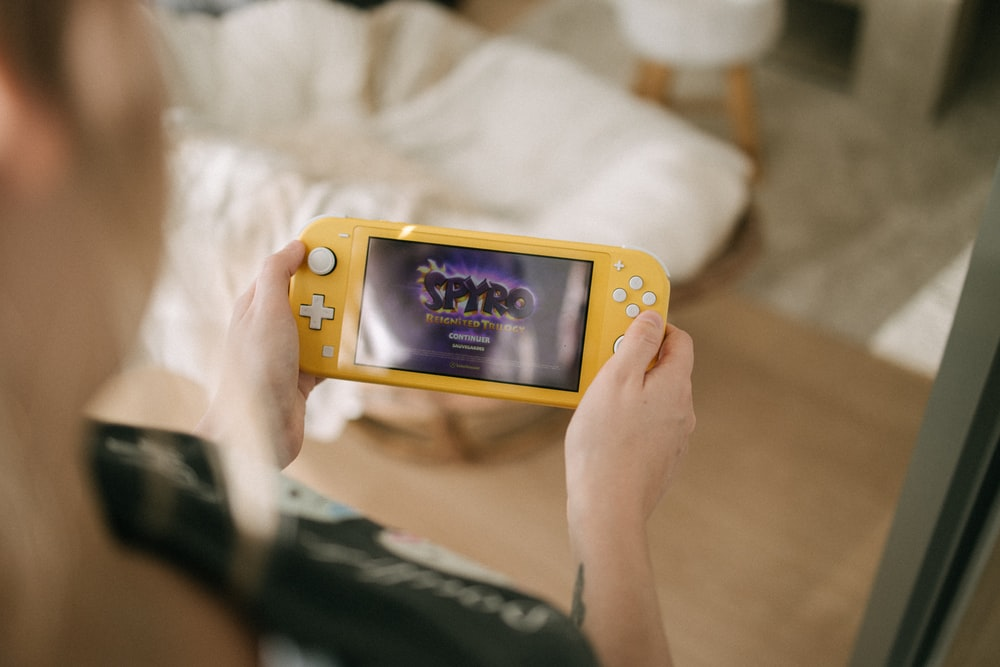 yellow nintendo game boy color