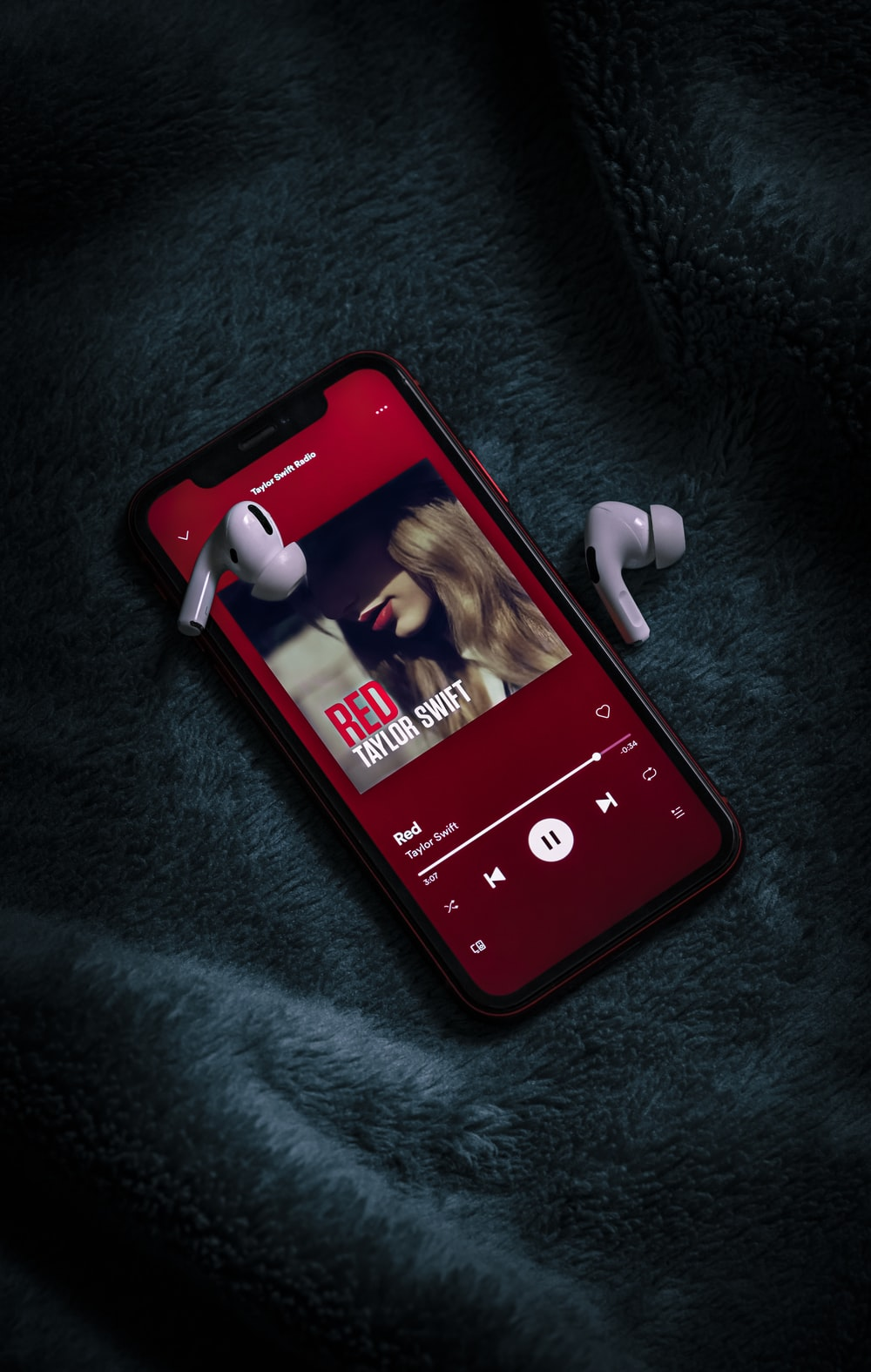 Iphone Xr Red Pictures Download Free Images On Unsplash