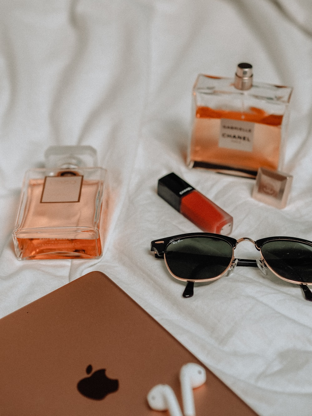 Fashion Accessories For Men And Women