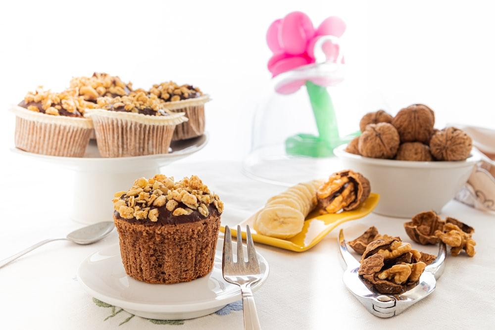cupcakes on white ceramic plate