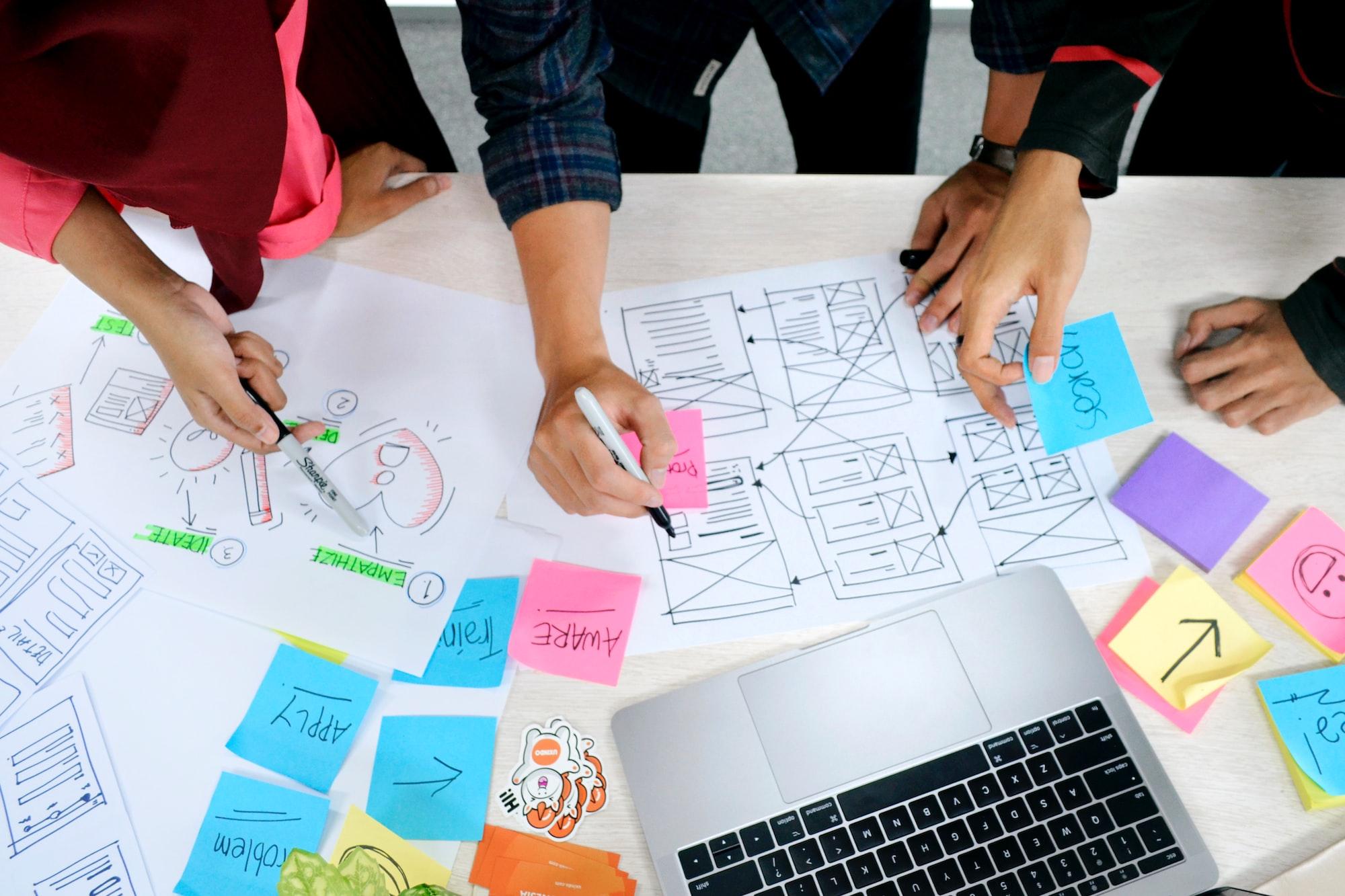 """Consejos para una """"toma de decisiones"""" eficaz en los negocios: habilidades y técnicas del proceso de """"Design Thinking"""""""