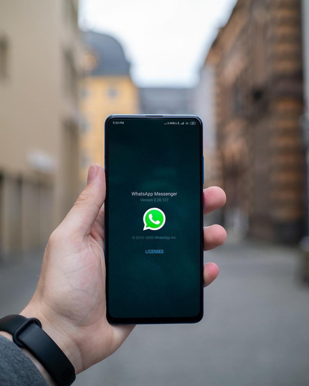 WhatsApp Messenger Splashscreen. Can also be used for Mockups!