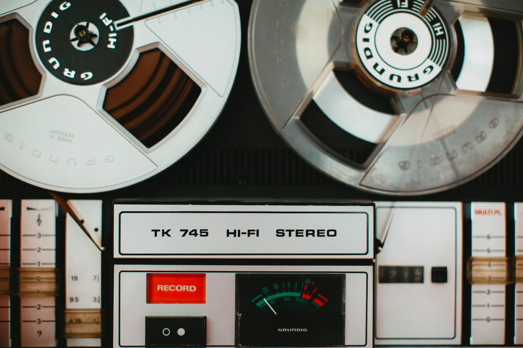 German sound engineering – magnetic tape recorder music system –TK 745 HI-FI STEREO –Year: 1975