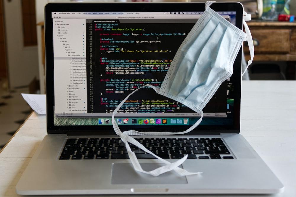 コロナと花粉に負けずプログラミングバイト中