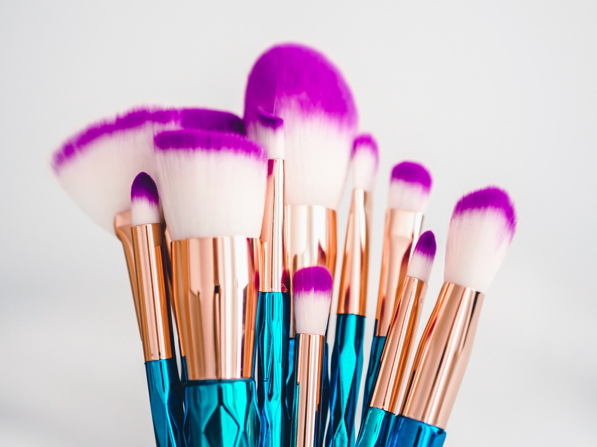 Instagram: @LauraChouette 📸 and www.laurachouette.com 🌐 MakeUp Brushes- Fashion Beauty Cosmetic Product ✨