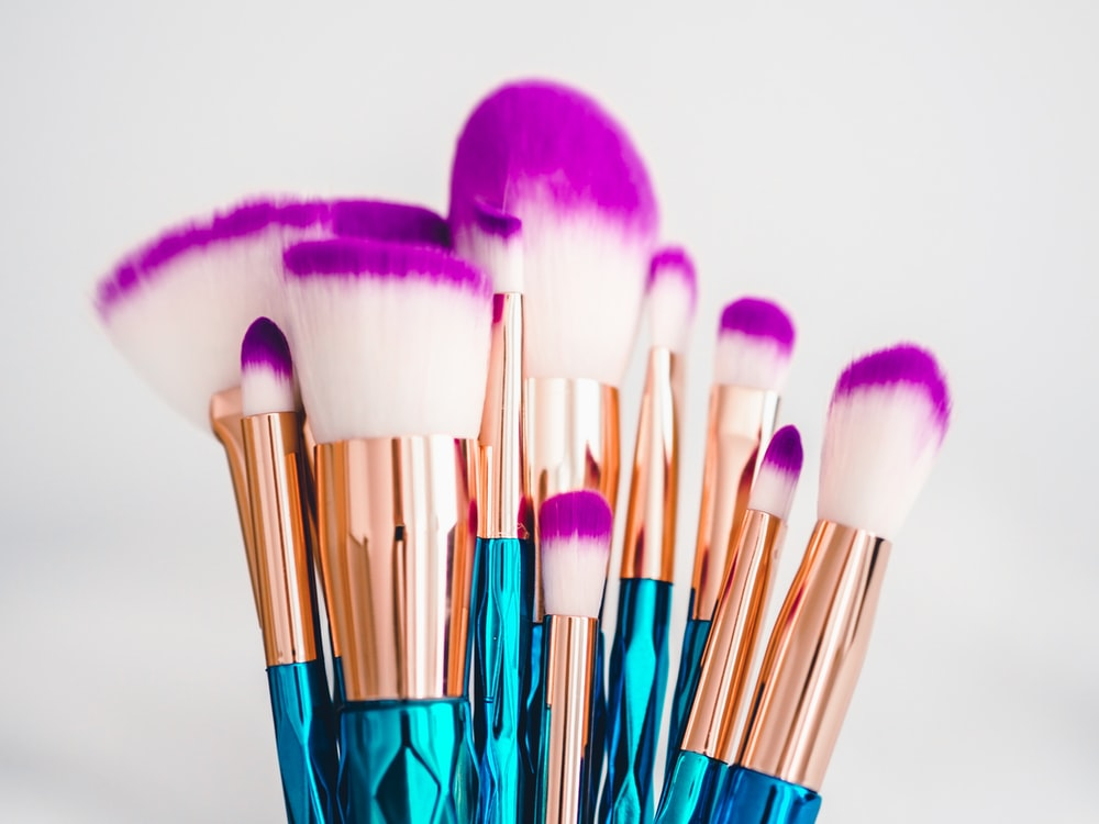 blue and brown makeup brush set