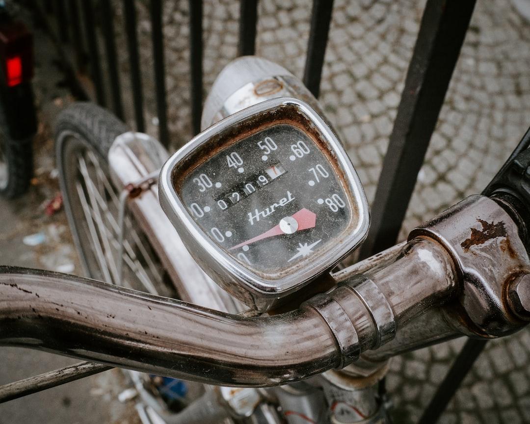 "An old, dustyspeed control on a ""Holland bike"". It ran more than 2.000 km."