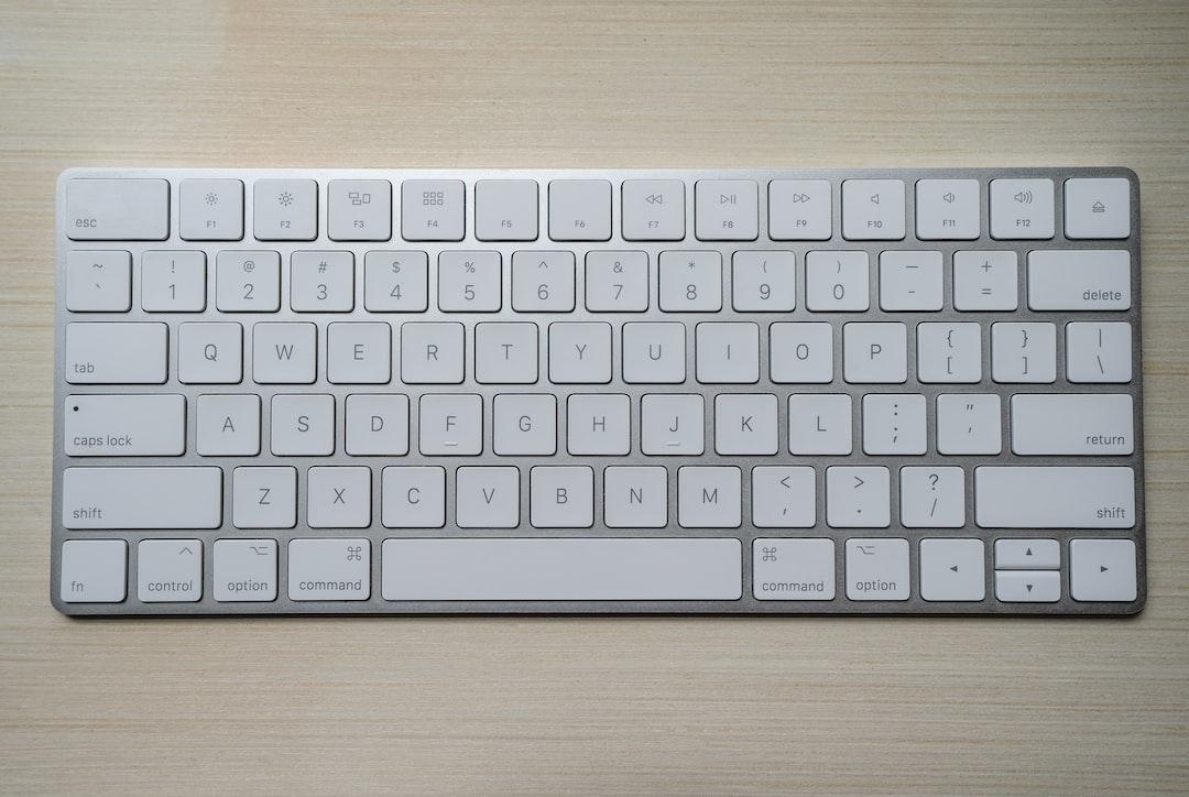 Wireless Apple Keyboard (IG: @clay.banks)