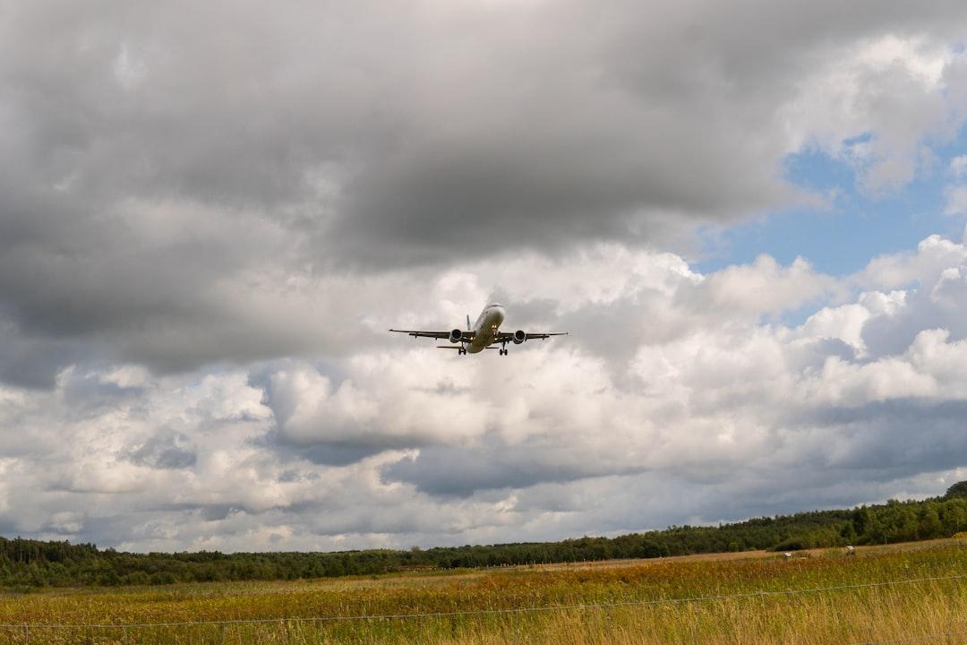 Airbus landing at Düsseldorf International