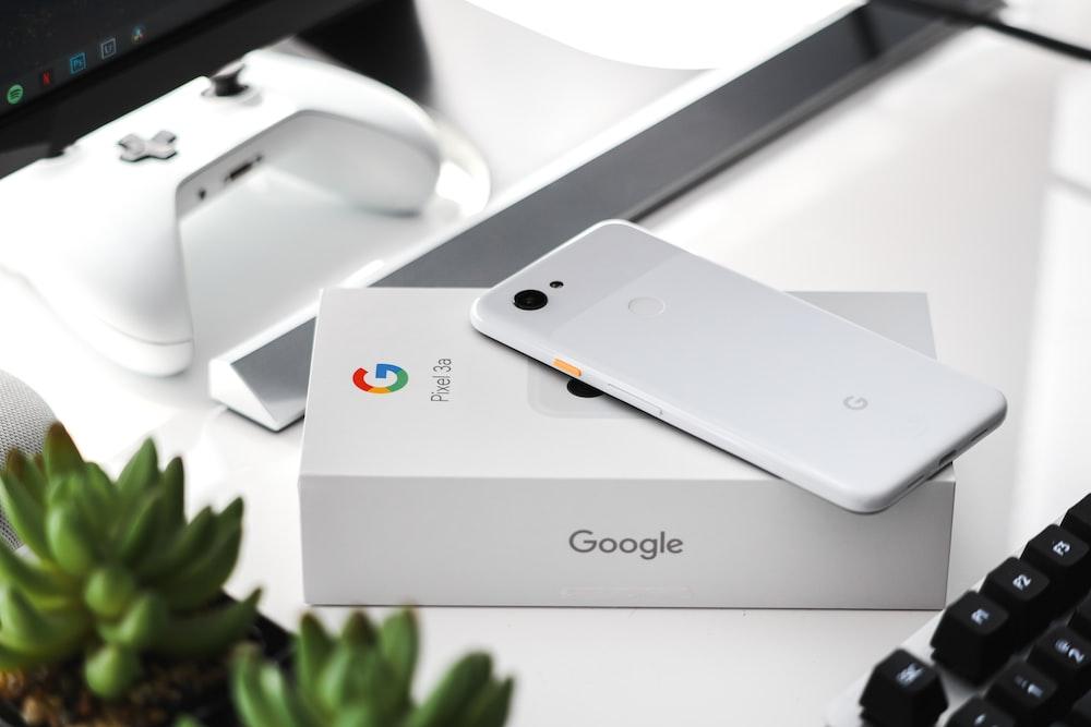 white iphone 5s box