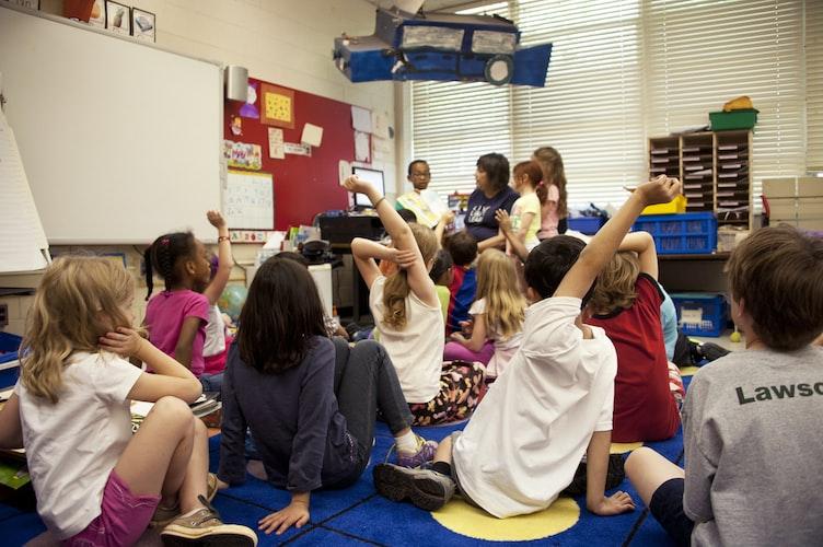 Des enfants en classe.   Photo : Unsplash