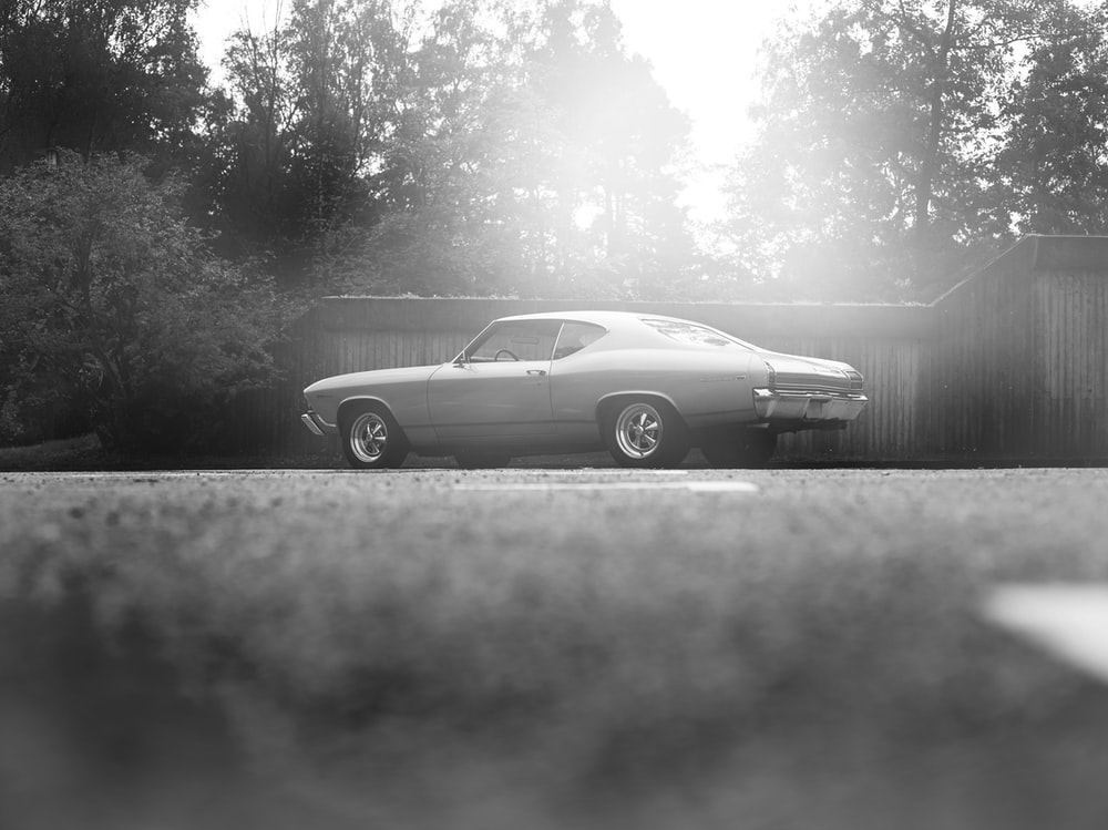 Black And White Car Pictures Download Free Images On Unsplash