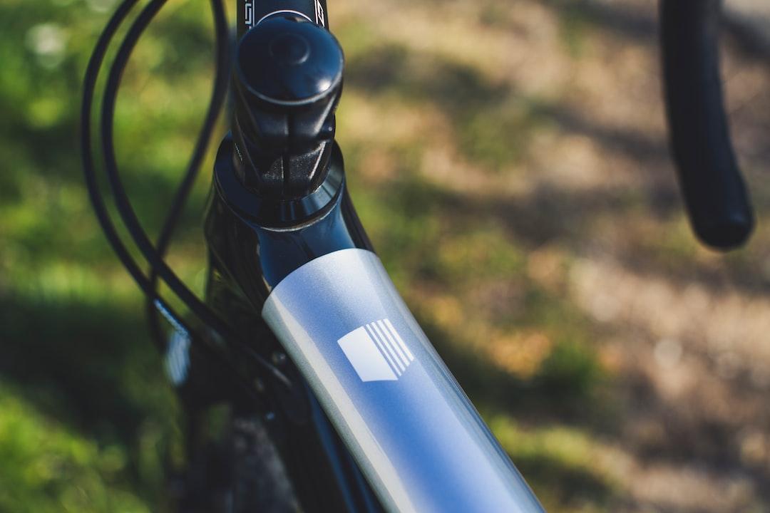 Lightweight carbon cyclocross bike