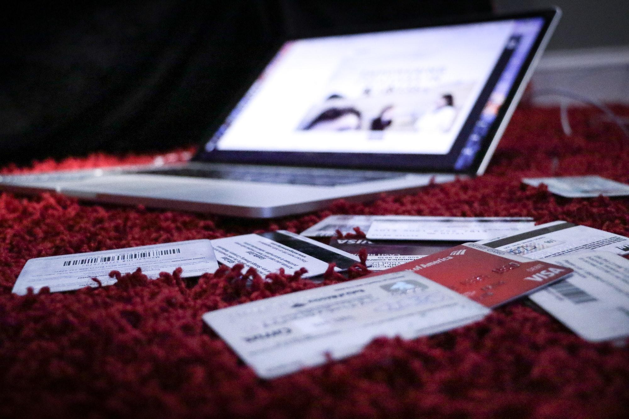 As quatro melhores lojas online para comprares produtos tecnológicos – e receberes em casa
