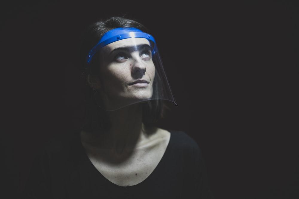 woman in black scoop neck shirt