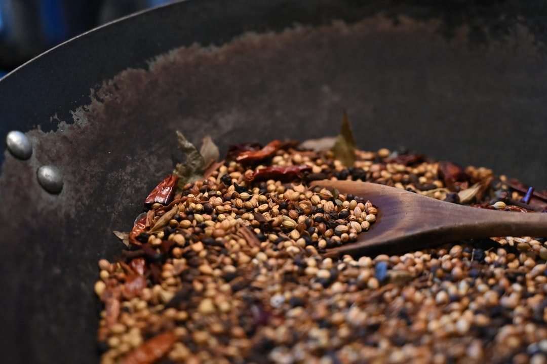 Making of roasted curry powder