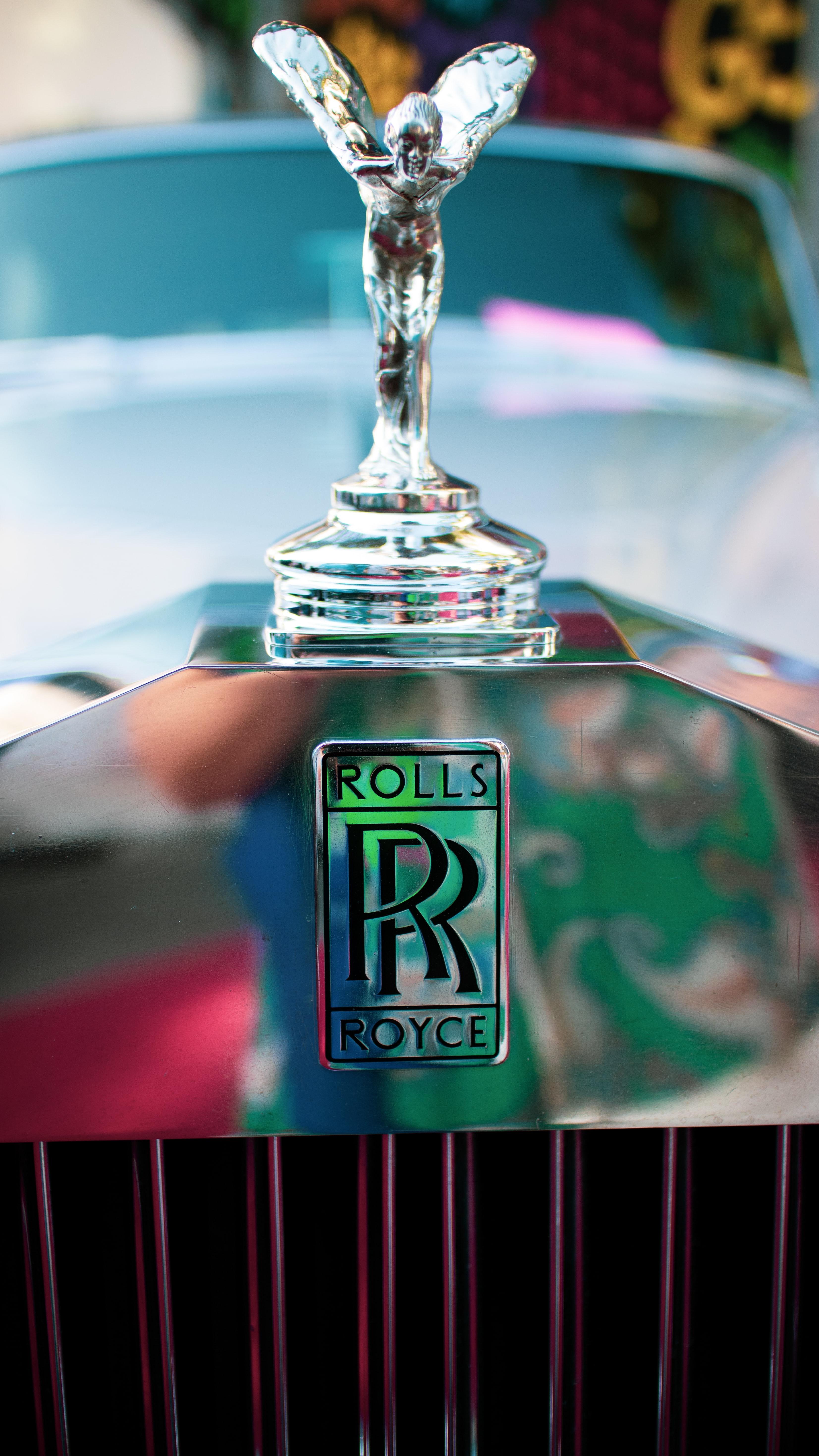 Rolls Royce Logo Pictures Download Free Images On Unsplash