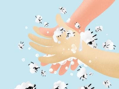 Un bracciale igienizzante per tenere sempre pulite le mani: la geniale invenzione di un papà romagnolo