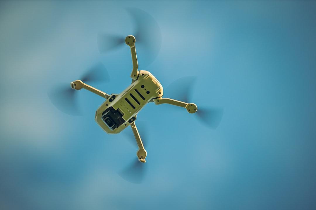 DJI Mavic Mini - the smallest drone launched by the DJI company. Ultra light drone in flight