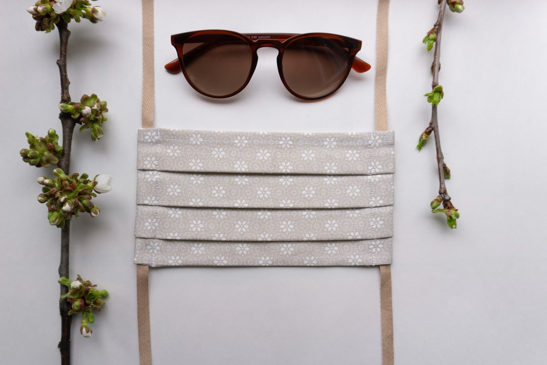 Flowery face mask with pocket for filter