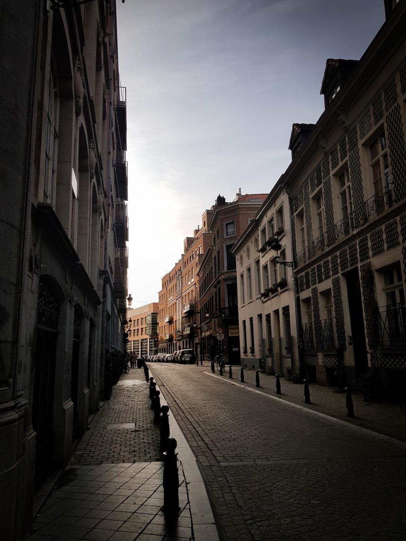Belgium imposes #Covid curfew, closes bars and restaurants