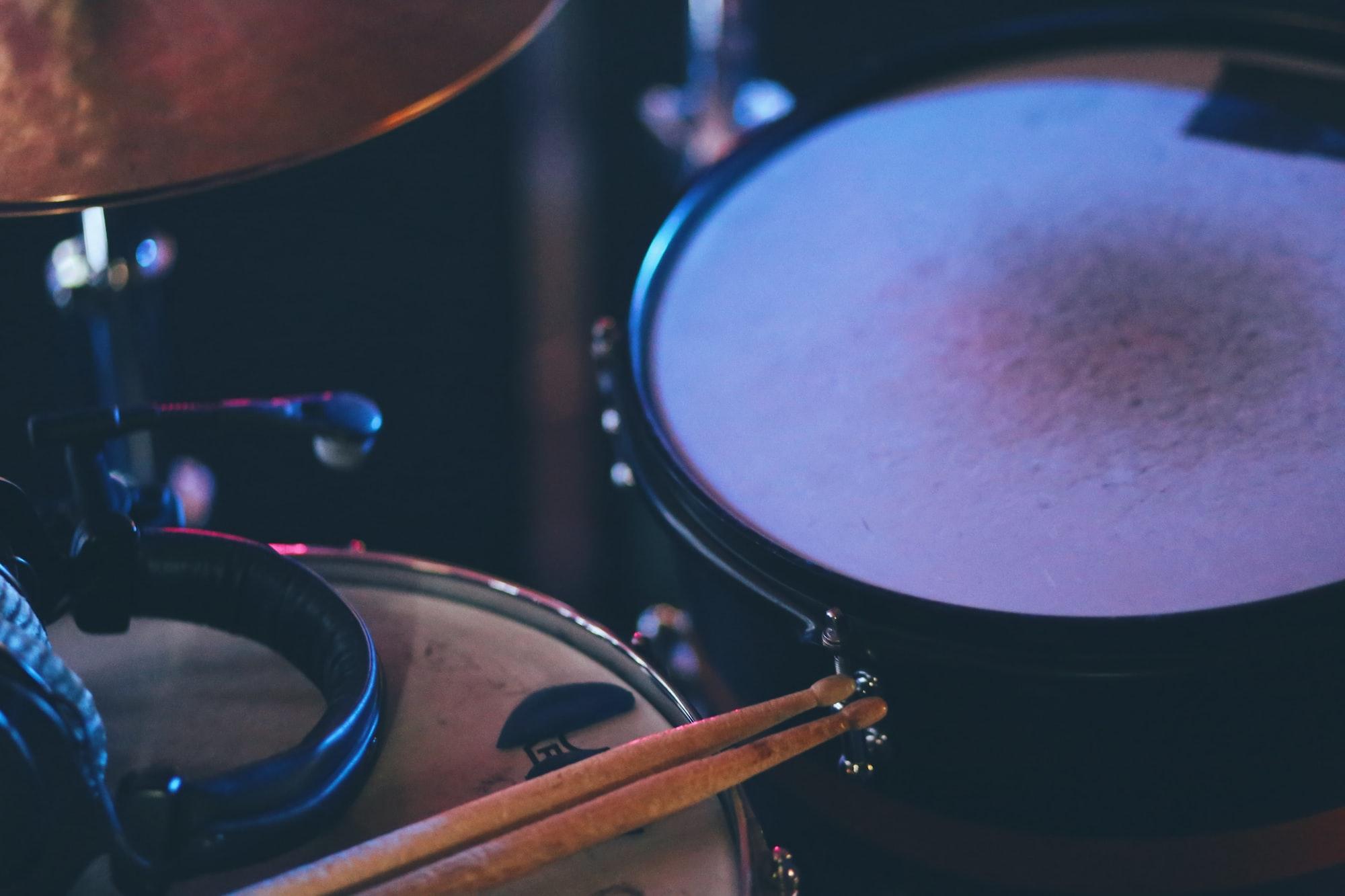 Studio Drum Kit - Sticks, Snare and Tom