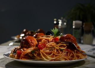 spaghetti on white ceramic plate