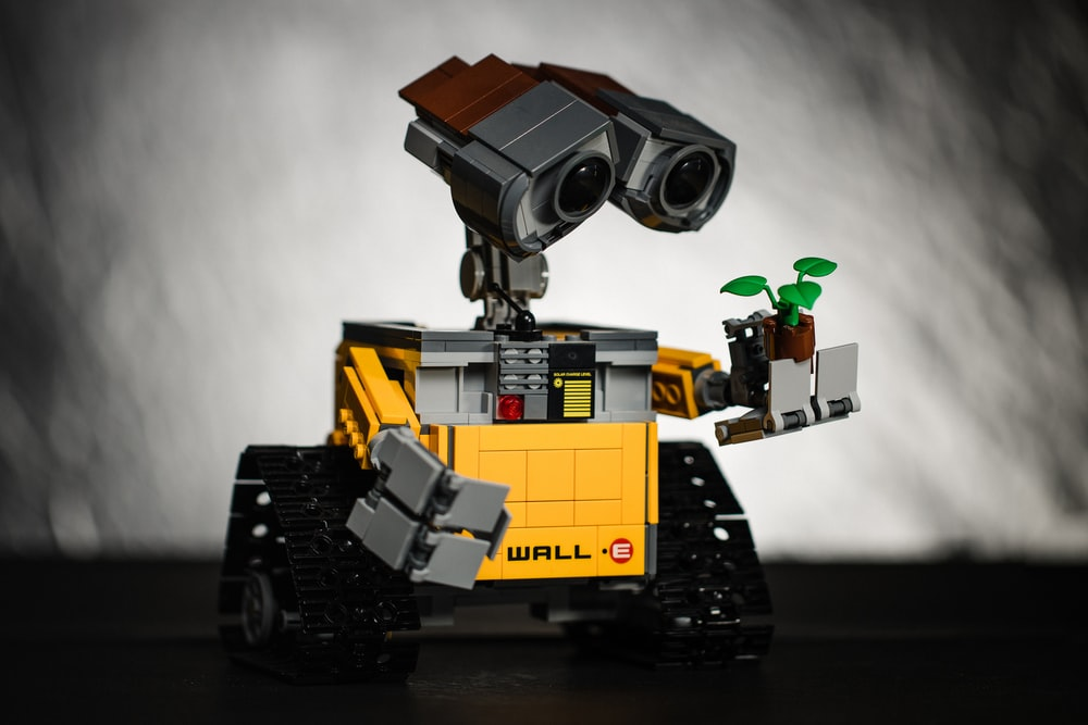 yellow and black robot toy