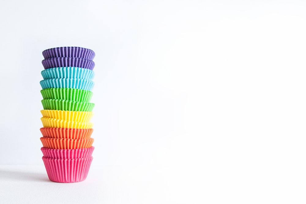 multi colored plastic straw cup